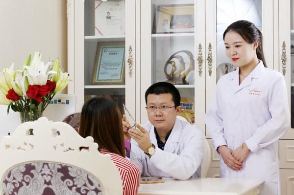 郑州明星医疗美容诊所环境图1