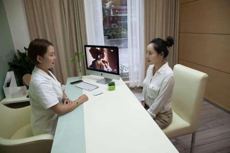 重庆联合丽格美容医院环境图4